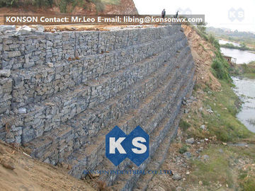 Chiny Defense Gabion Retaining Wall Hexagonal Wire Mesh with Galvanized Wire 2.7MM dostawca
